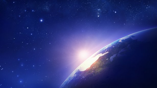 3. באילו היבטים מתגלים באופן עיקרי כול יכולתו וחוכמתו של אלוהים?